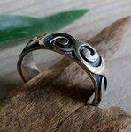 zilveren ring met krulle motief