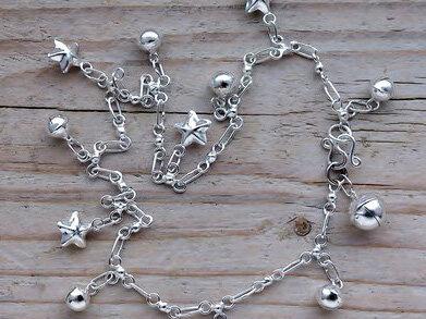 enkelketting bedels sterretjes/bolletjes zilver