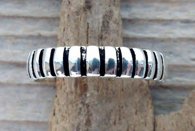 teenring zilver abstract (begin-maat 14,5mm)
