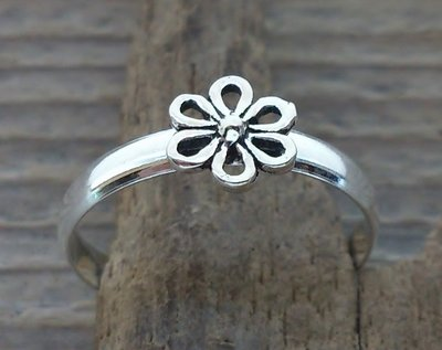 teenring bloem zilver (begin-maat 15mm)