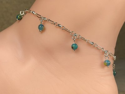 enkelketting zilver met glaskraaltjes turquoise