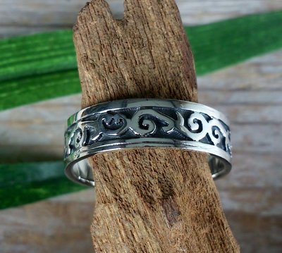 ring tribal zilver (maat 17¼ - 21 - 22 - 22¼ - 23) v.a.