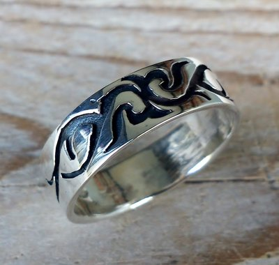 ring tribal zilver (maat 22¾ - 23¼)