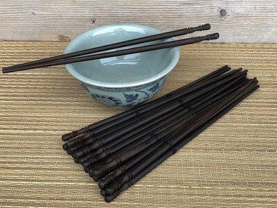 houten chopsticks / eetstokjes donkerbruin