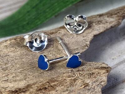 zilveren oorknopjes hartje donkerblauw
