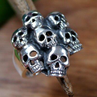 ring skulls zilver (maat 22¼)