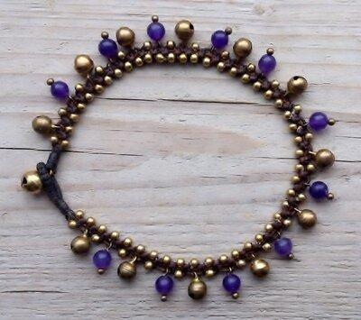 enkelbandje kraaltjes paars-goud met belletjes