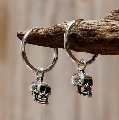 oorringetjes zilver met skull Ø 12mm