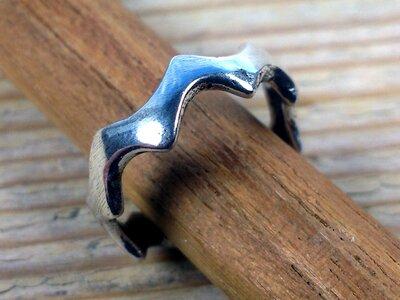 teenring zilver abstract (maat 15mm)
