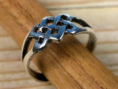 teenring zilver knoop (maat 16mm)