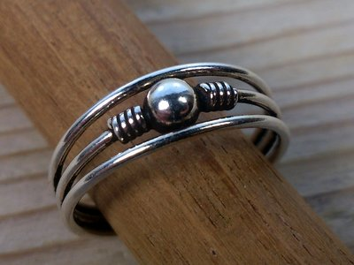 teenring zilver balletje (begin-maat 17mm)