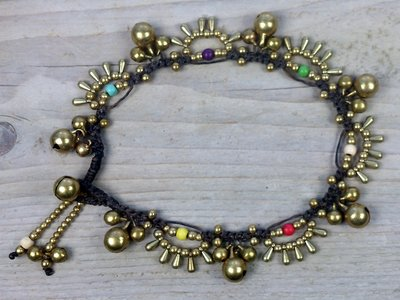 enkelbandje kraaltjes bont-goud met belletjes
