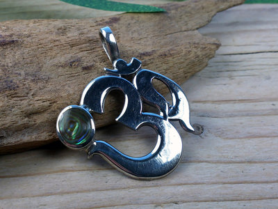 hanger aum abalone zilver