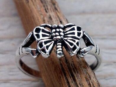 teenring zilver vlinder (begin-maat 15mm)