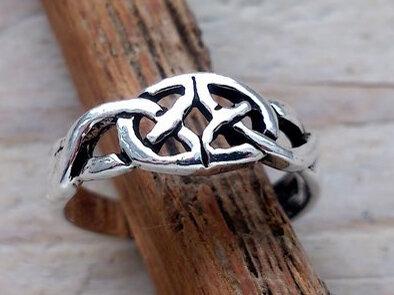 teenring zilver keltisch (begin-maat 13,5mm)