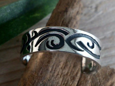 ring tribal zilver (maat 17 - 18¼) v.a.