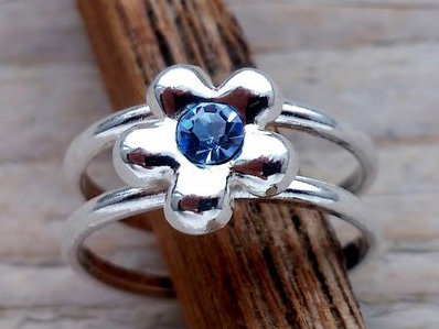 teenring zilver bloem blauw (begin-maat 15mm)