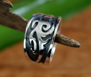 ring tribal zilver (maat 17½)