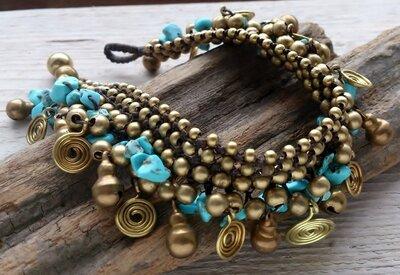enkelbandje kralen turkoois-goud met bellen