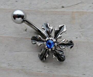 navelpiercing bloem zilver blauw 01