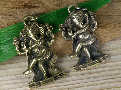 hanger Ganesha