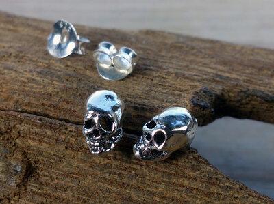 oorknopjes skull zilver