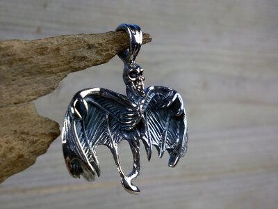 hanger skelet vleugels zilver