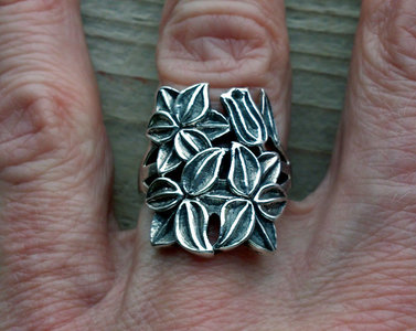 ring bloem zilver (maat 17)