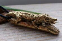 ondeugende hanger met krokodil